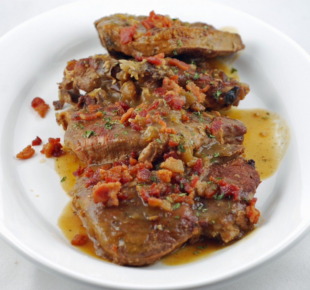how to make smothered pork steaks