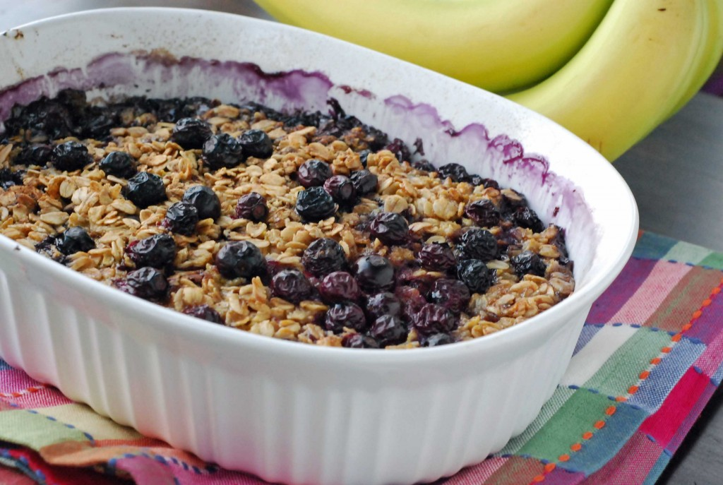 Baked Blueberry and Banana Oatmeal | Blissfully Delicious