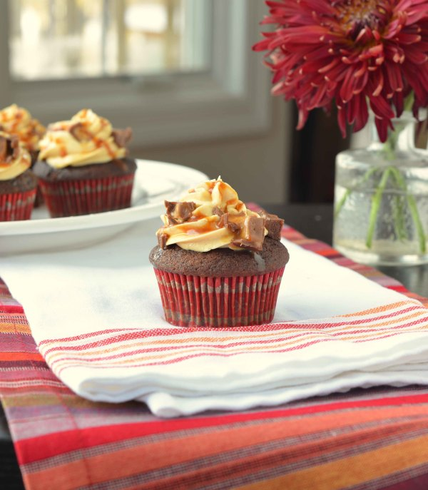 snicker cupcakes 3